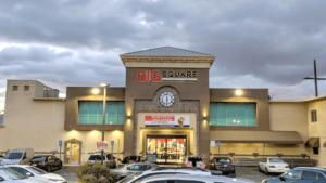 Big Square store